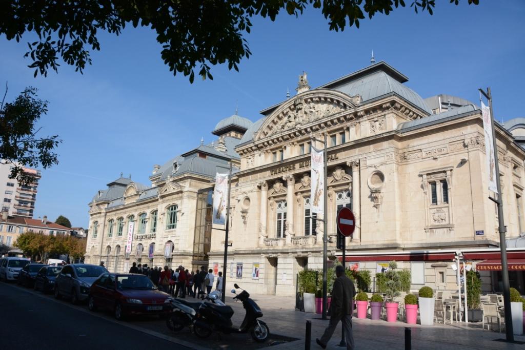 002_bourg_en_bresse_le_theatre_municipal