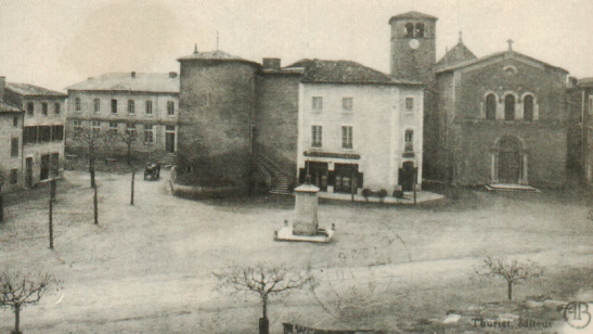 brindas-place-mairie-eglise-carte-postale